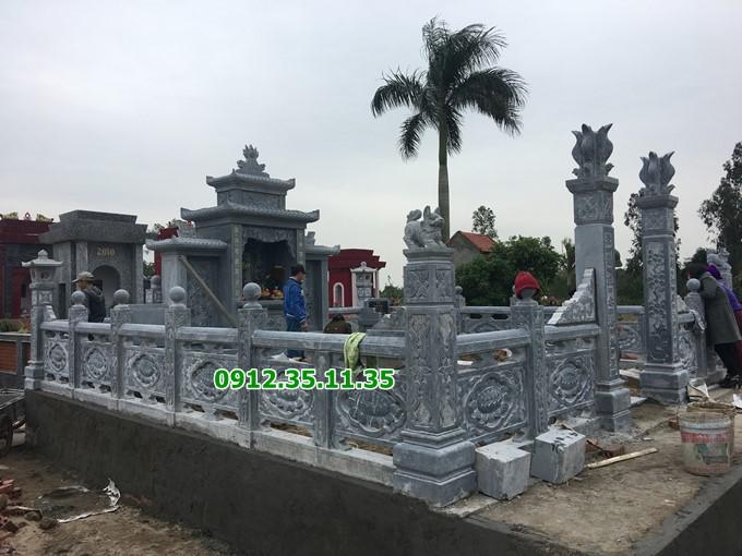 Khuôn viên khu lăng mộ gia đình